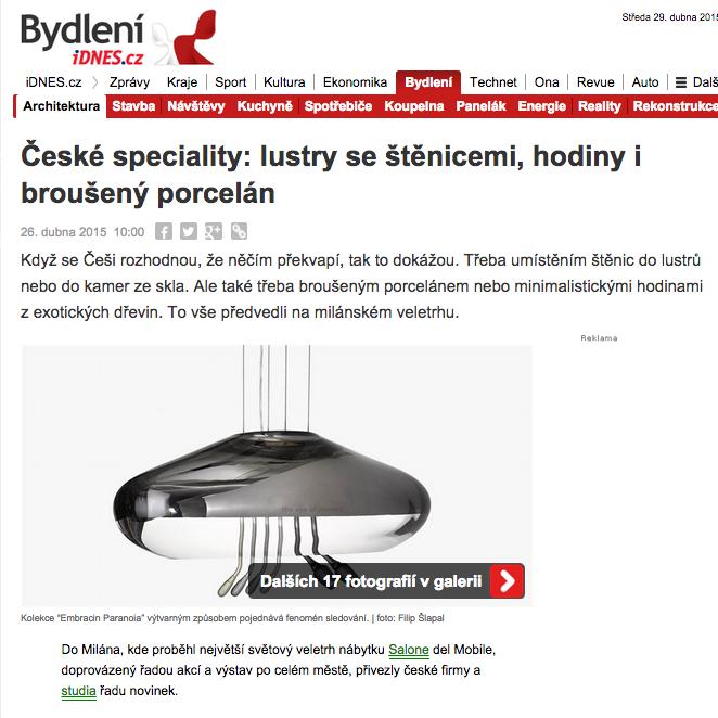České speciality: lustry se štěnicemi, hodiny i broušený porcelán